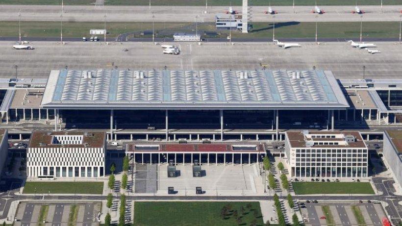Brandenburger Landtag diskutiert über Großflughafen BER https://t.co/bweGSZvUuY