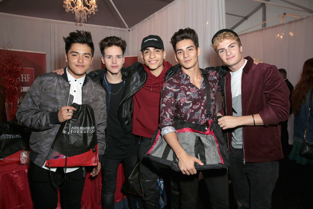 Want to meet @InRealLife at their show at @theroxy on Sunday? Bid on tickets here to support the #iHeartSoCal Fire Relief Project for those affected by the #SoCalFires! #InRealLife #LosAngeles https://t.co/qvDRWcxhUq