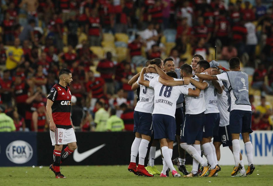 'Só no cheirinho': Flamengo perde a decisão da Sul-Americana e vira piada nas redes https://t.co/KcPbutK7k9
