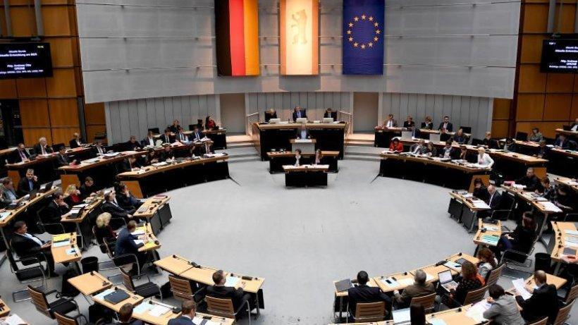 Abgeordnetenhaus beschließt Doppelhaushalt 2018/2019 https://t.co/7WHNbzVYC9