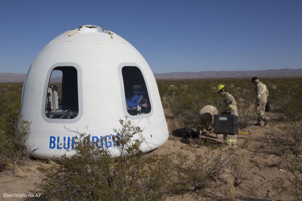 Jeff Bezos launches dummy called 'Mannequin Skywalker' on latest version of @blueorigin crew capsule, featuring big windows for future space tourists. The Kent-based company does flight testing at its range in West Texas. https://t.co/iTj8baeORX #NewShepard
