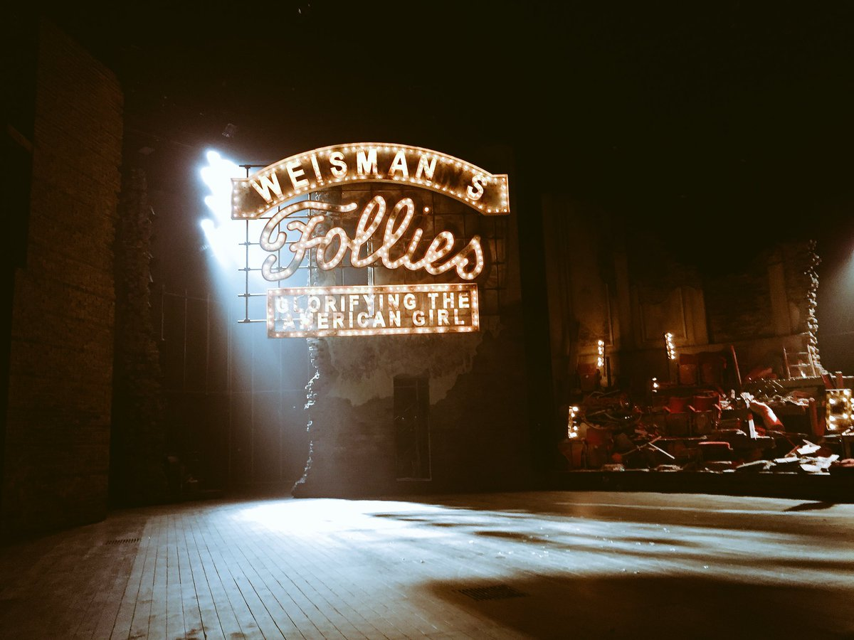 So I've just witnessed the sublime #Follies @NationalTheatre  I have no criticism. Perfection in every department.  Set, costumes, lighting, sound, orchestra, automation and of course ALL the performances. @Deejanie is out of this world!  Thank you all for a fabulous night.<br>http://pic.twitter.com/gozEm2DFSV