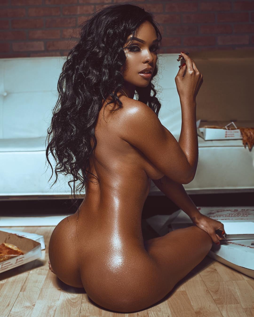 Two black girls naked — photo 8