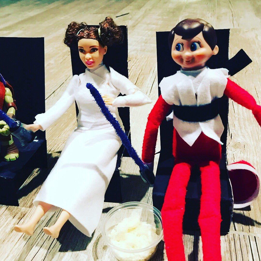 Charlie The Elf and the crew catch up on #starwars (and get into character) before they go see #TheLastJedi. #CharlieAsLuke #HisFianceeAsLeia #DonAsHan #RaphaelasDarth #elfontheshelf @elfontheshelf