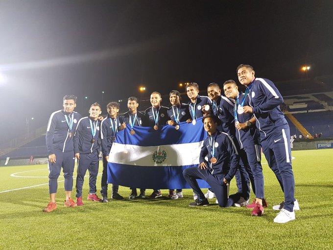 Sub21: Juegos Centroamericanos - Nicaragua 2017. [Medalla de Bronce] DQ-gz6hUIAEeBTk