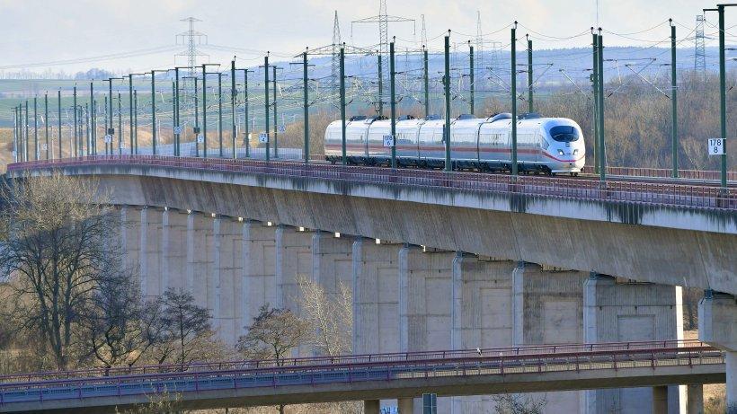 """Bahn sieht bei ICE kein """"Systemproblem"""" und kämpft ums Image https://t.co/qnE9jM9gQz"""