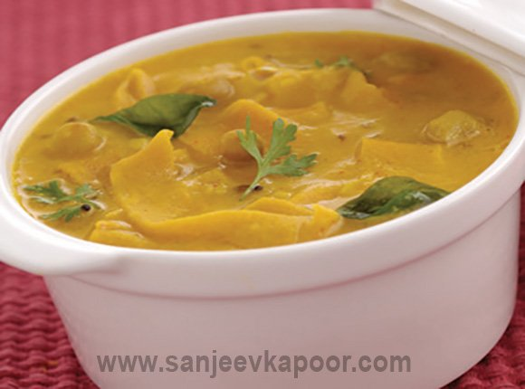 Chef sanjeev kapoor on twitter this one pot meal is a gujarati to really enjoy the fabulousness of vegetarian indian cuisine perfect for a comforting winter meal httpsgoohhmuax picitterqxktrqcnsc forumfinder Gallery