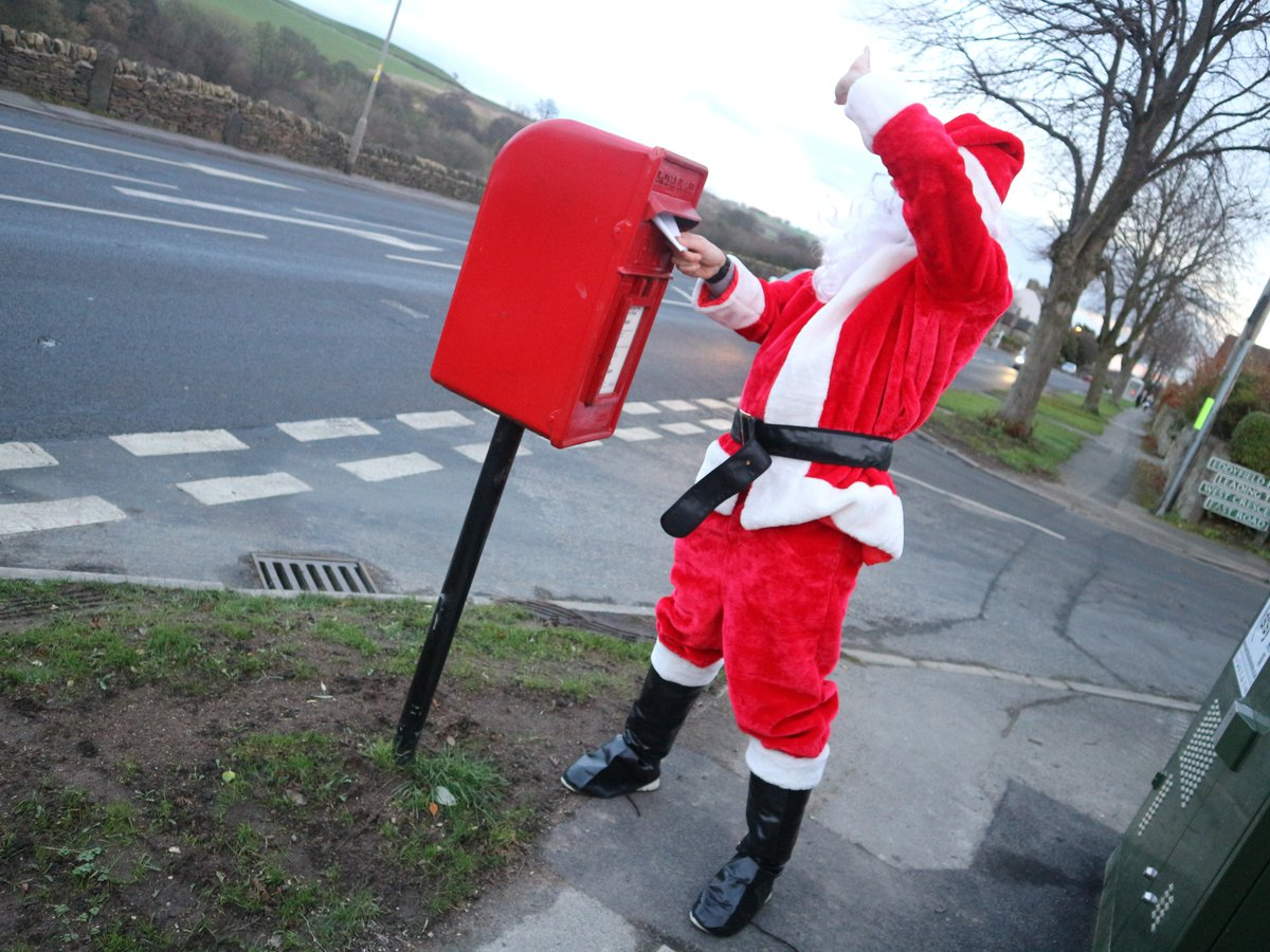 Cabinet 1 on Hayfield Lane #Auckley in #Doncaster has just gone live. Register with us and we&#39;ll email you when you can order #FibreBroadband   http:// bit.ly/SFSYRegister  &nbsp;     Santa registered the old fashioned way   #doncasterisgreat<br>http://pic.twitter.com/kXe1LPSzdY