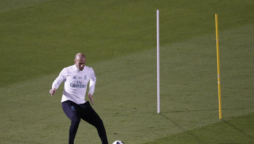 RT @mundodeportivo: ¿Cuándo se enciende el interruptor de Zidane? https://t.co/GPpz9yFL5X por @xavierbosch https://t.co/auszRv6UpT