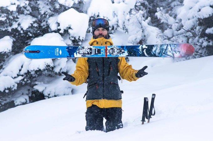 Estrenamos marca!! hoy @asiersanz nos detalla la colección de @Icelantic_Skis [MATERIAL] ➡️https://t.co/Z8QAEDCco4