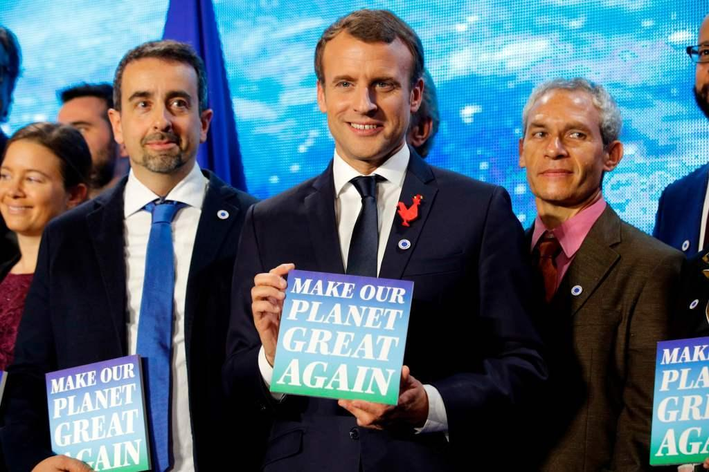 Macron trolls Trump, lures US climate scientists to France https://t.co/b6t9CgMLg0