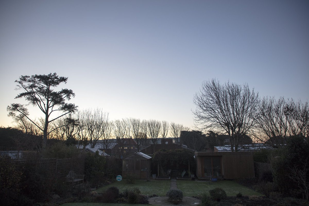 Good Morning. Cold this morning at minus twe celcius. Clear, just a hard frost in #Seaford https://t.co/ar3wsdNaK1