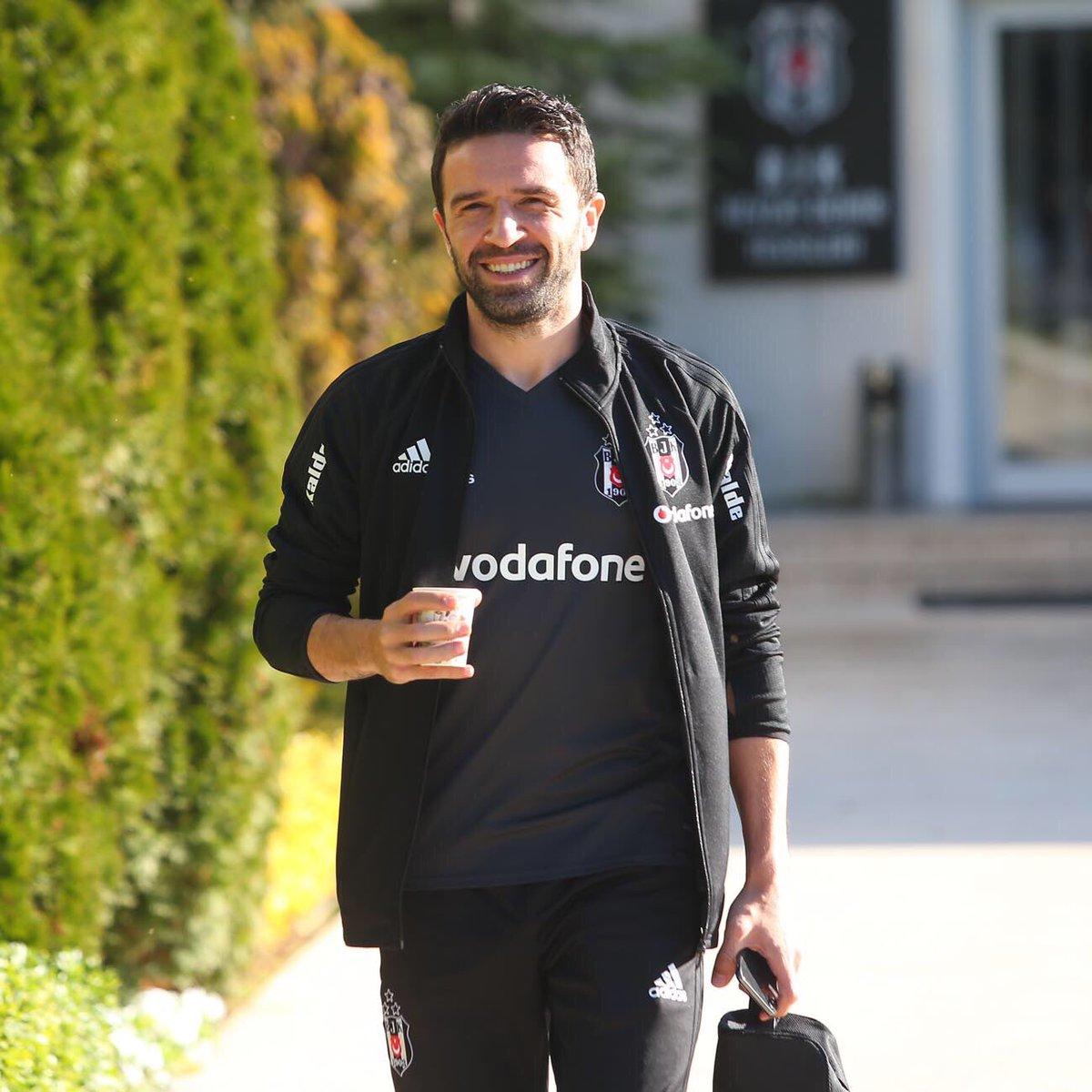 🦅💪Gökhan Gönül razı...  #Beşiktaş https:...