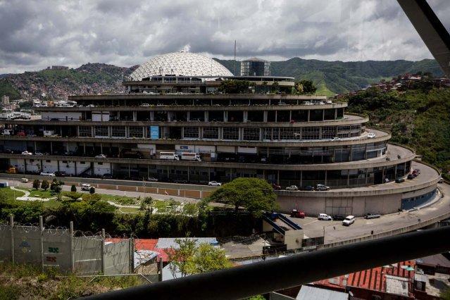 Los cuatro venezolanos que recibirán el Sájarov presos en El Helicoide https://t.co/akNq51LqkX. https://t.co/gskoogjAtw