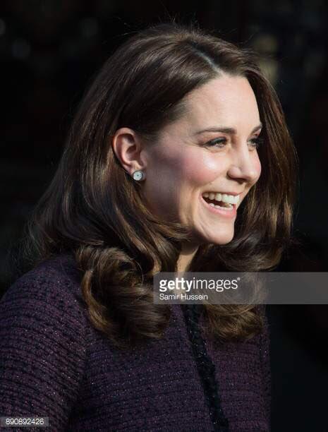 Обсудите со мной, пожалуйста, стрижку и уход за волосами у герцогини