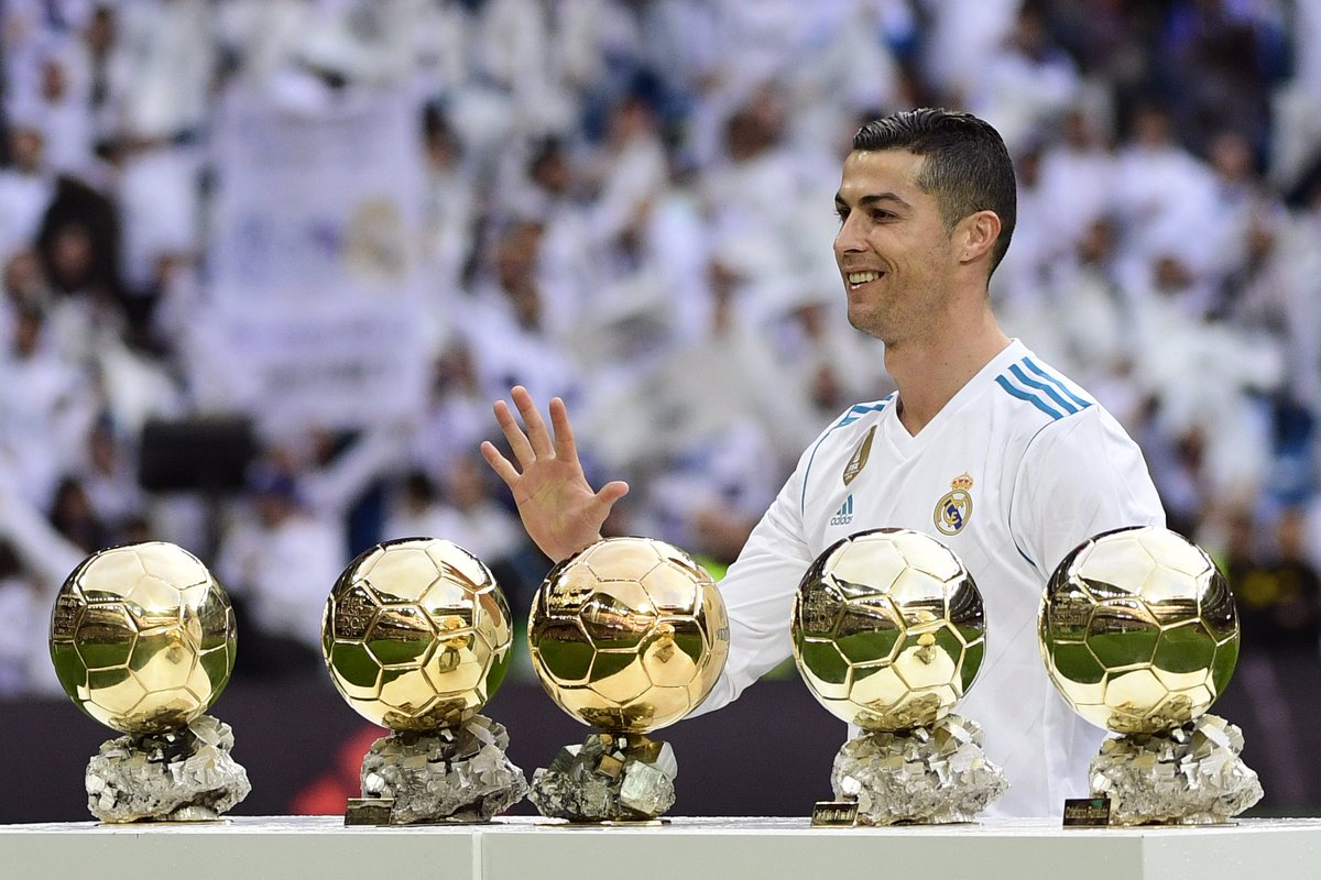 Cristiano Ronaldo in 2017:  #UCL winner for 4th time 🏆🏆🏆🏆 51 goals for club & country  ⚽️  group stage top scorer 2017/18 💪 Ballon d'Or winner for 5th time 🖐  All-time favourite Real Madrid forward?