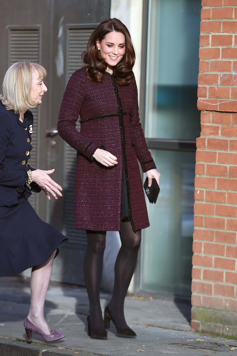 #DuchessofCambridge steps out in a purple tweed coat in North Kensington https://t.co/R6DrtRwjR3