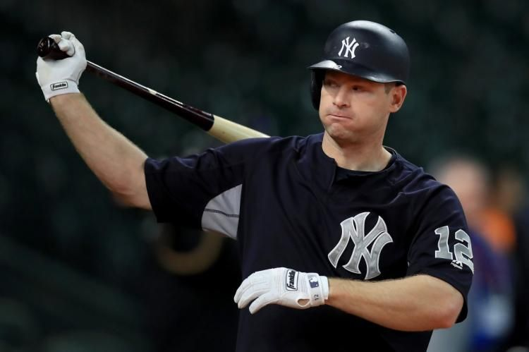 BREAKING: Yankees trading Chase Headley, Bryan Mitchell to Padres for outfielder Jabari Blash https://t.co/AyImcnfTog