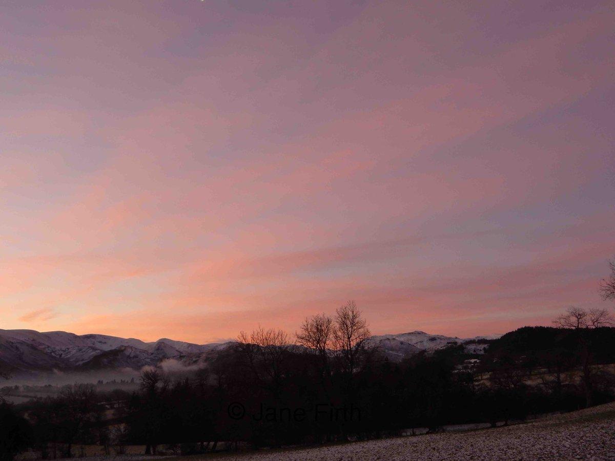 Sunrise over High Street this morning. #...