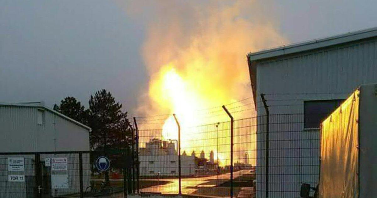 Esplosione in impianto #Austria, stop al gas russo verso l'Italia. Calenda: 'Capito a che serve il Tap?' https://t.co/jy8xba0Swt
