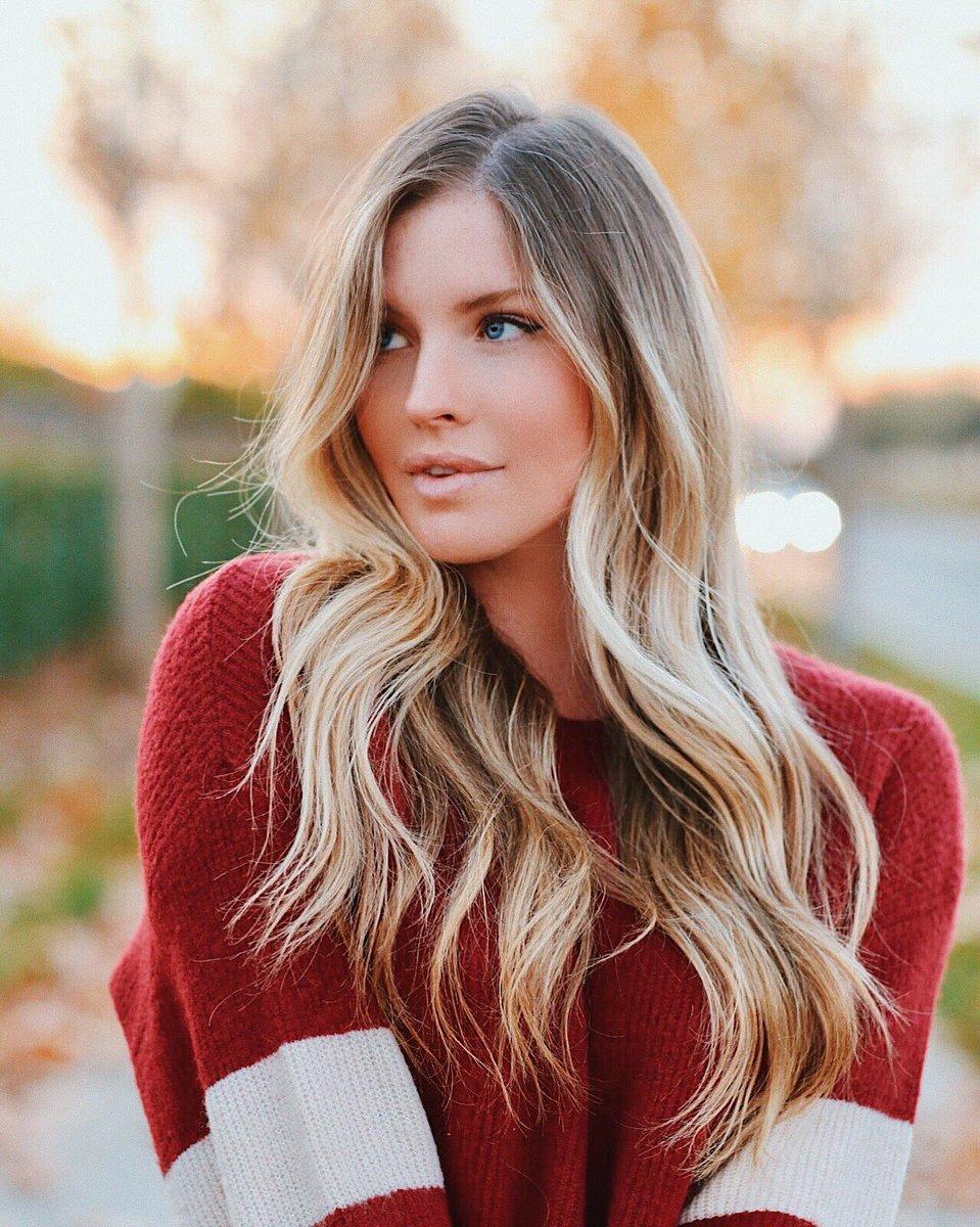 Carly Lauren  - fall colors twitter @MissCarlyLauren