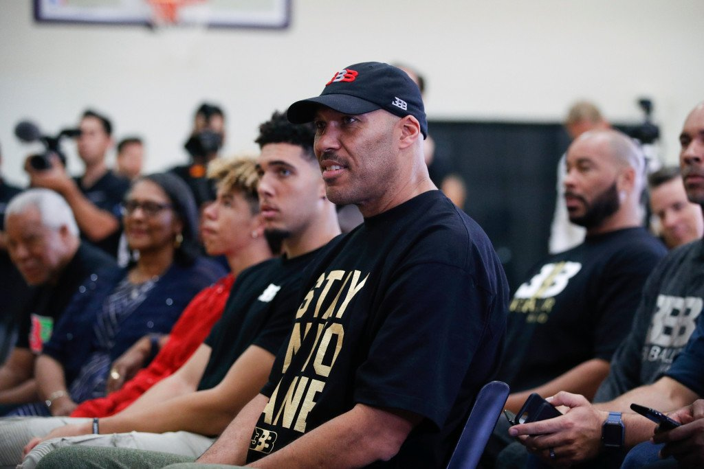 LiAngelo and LaMelo Ball sign professional basketball contracts with Lithuanian club https://t.co/pjT8FN2mZi