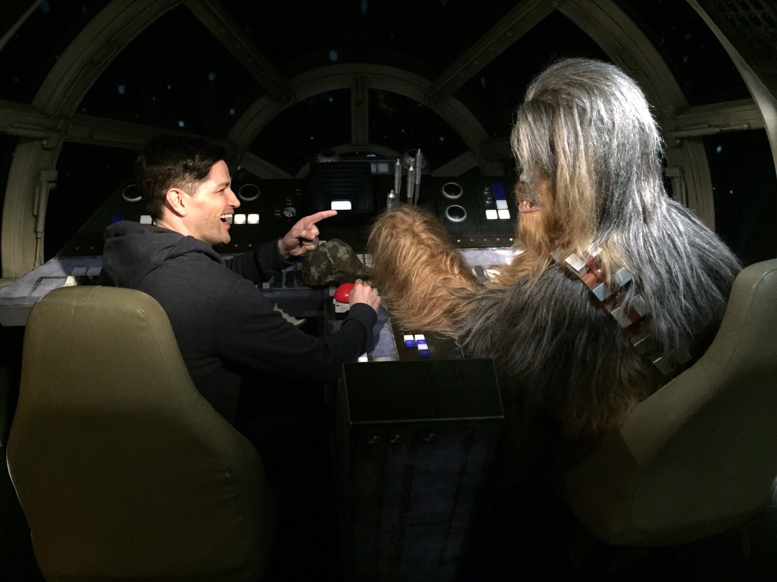 Me and Chewy having the Bants on the way to the premiere. He's on top form tonight @StarWarsUK https://t.co/rAHYPbnxJA