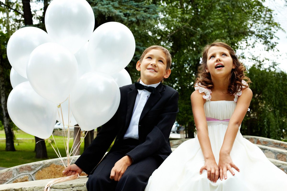 Did You Know We Offer Babysitting Services In Hotels For Weddings And Events Get Touch To Find Out More Https Buff Ly 2ntbegd Weddinghour