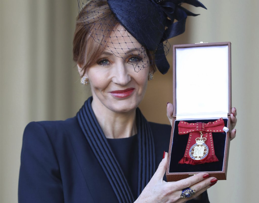 J.K. Rowling named British Companion of Honor, calls it a 'privilege' for a female writer https://t.co/nrzbz75VjO