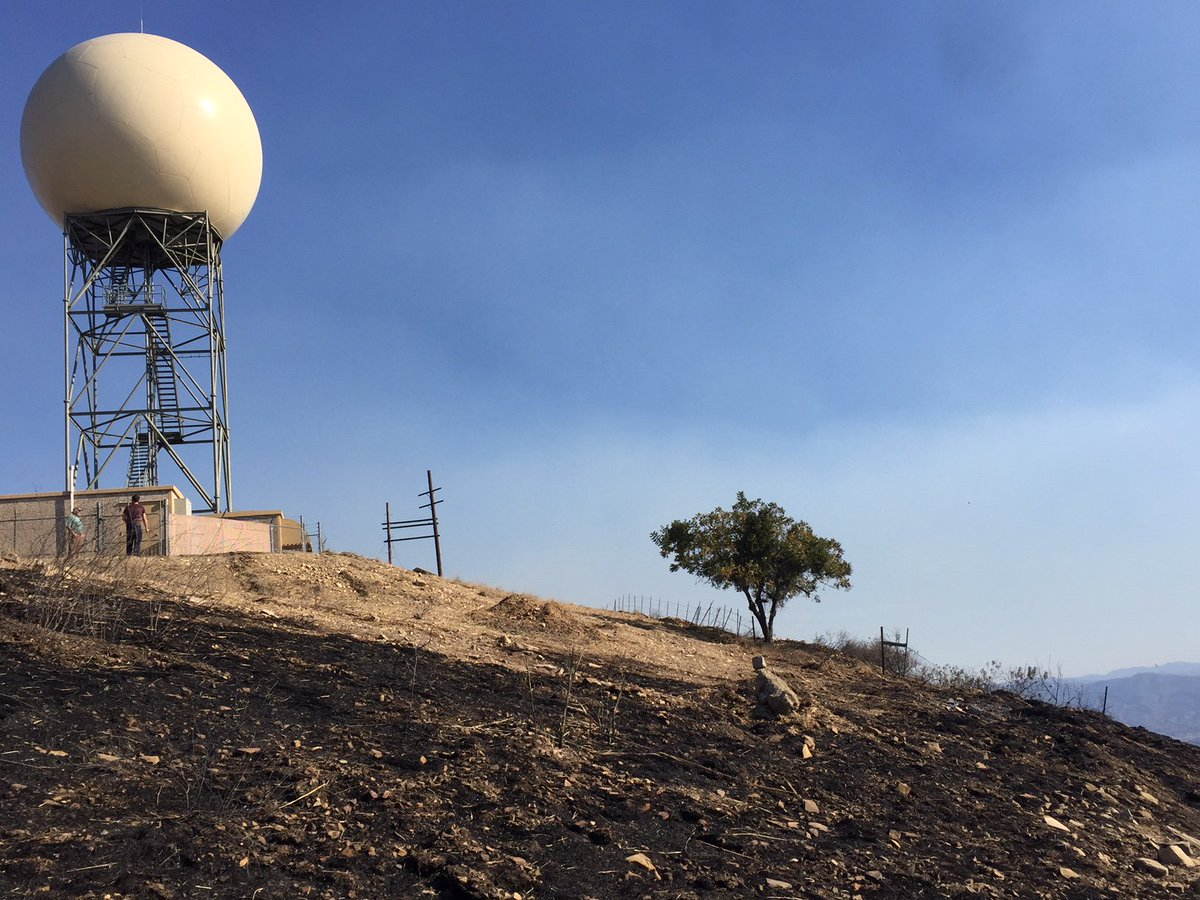 BREAKING: #ThomasFire burned within a few feet of the @NWS Doppler radar (KVTX) on Sulphur Mtn, but it has not sustained any damage. Still waiting for power to be restored to the site. #CAwx