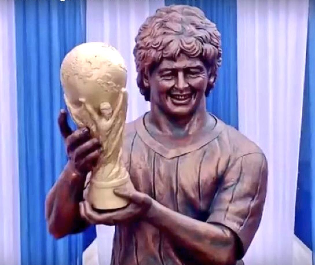 Will Roy Hodgson get a statue like this at Selhurst Park when he saves Palace from relegation?