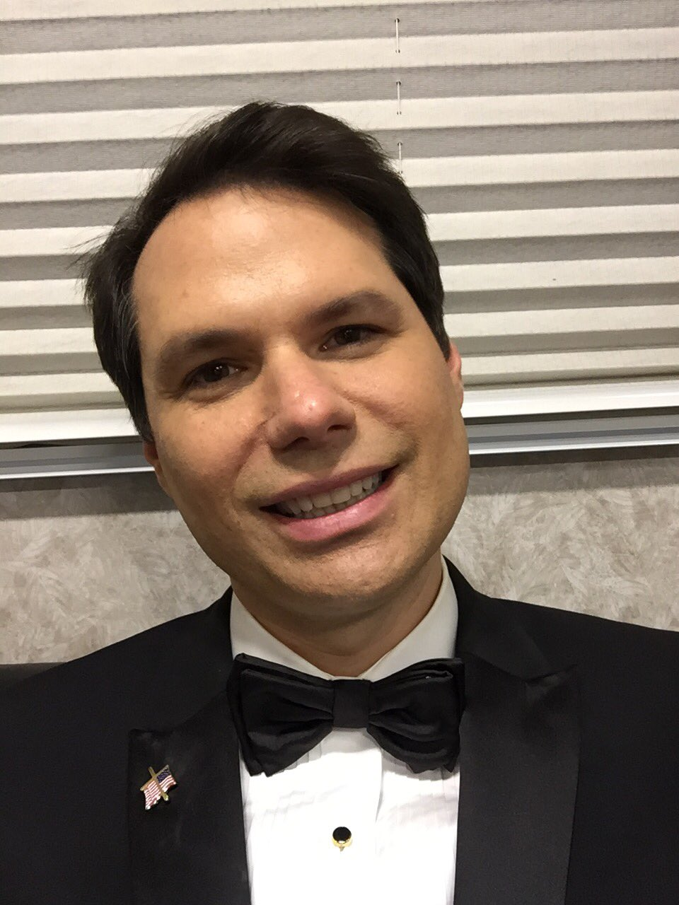 Vote Doug Jones like me, former NFL player and small business owner Michael Ian Black #9years2rings https://t.co/9wo59YuQng