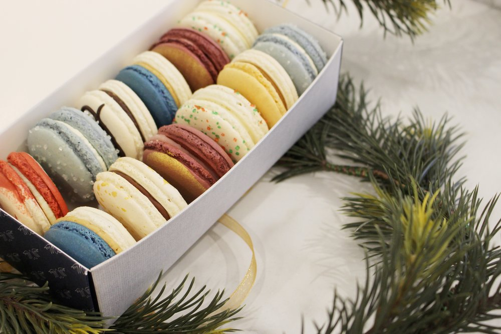 Did you miss out on @ByOllia macarons at the Old School Bake Sale today?  Tune in to @CBCHomestretch to bid on an exclusive macaron/wine pairing event for 18 ppl!   All proceeds go to the @CalgaryFoodBank #cbcfeedsyyc