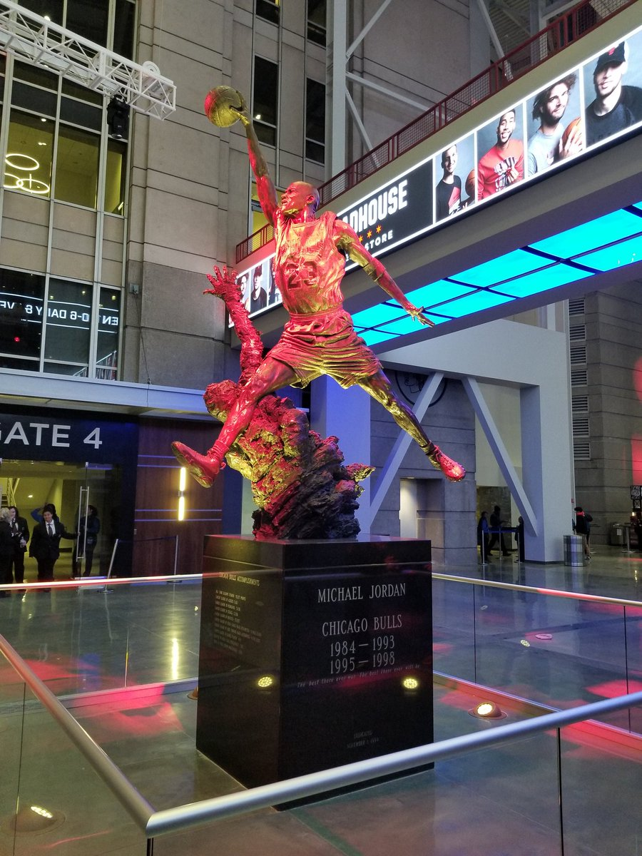 Hadn't been to United Center in quite a while. The place changed a little bit. Jordan statue is indoors & illuminates now