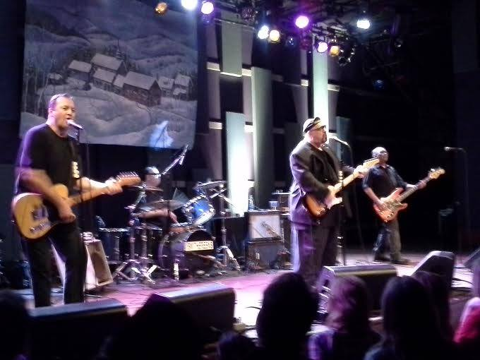 Just gutted to hear of the passing of Pat DiNizio of legendary New Jersey band the Smithereens. Incredible talent and such a nice guy. One of the most underrated bands ever and an all-time top-20 live band for me. Terribly sad.