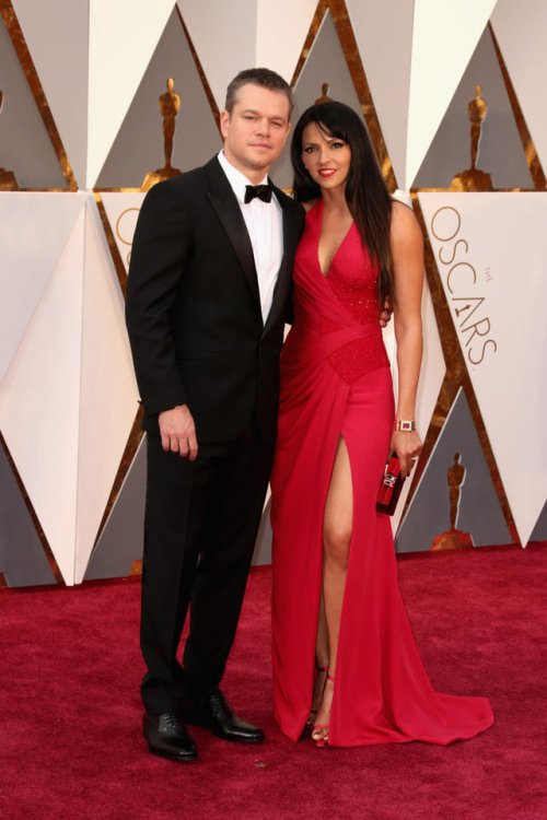 RT @s1ntab: Matt Damon's Wife Is HOT HOT HOT On The Oscars Red Carpet!... https://t.co/xVcdTujXm1 #MattDamon https://t.co/2XkLT1Mft4