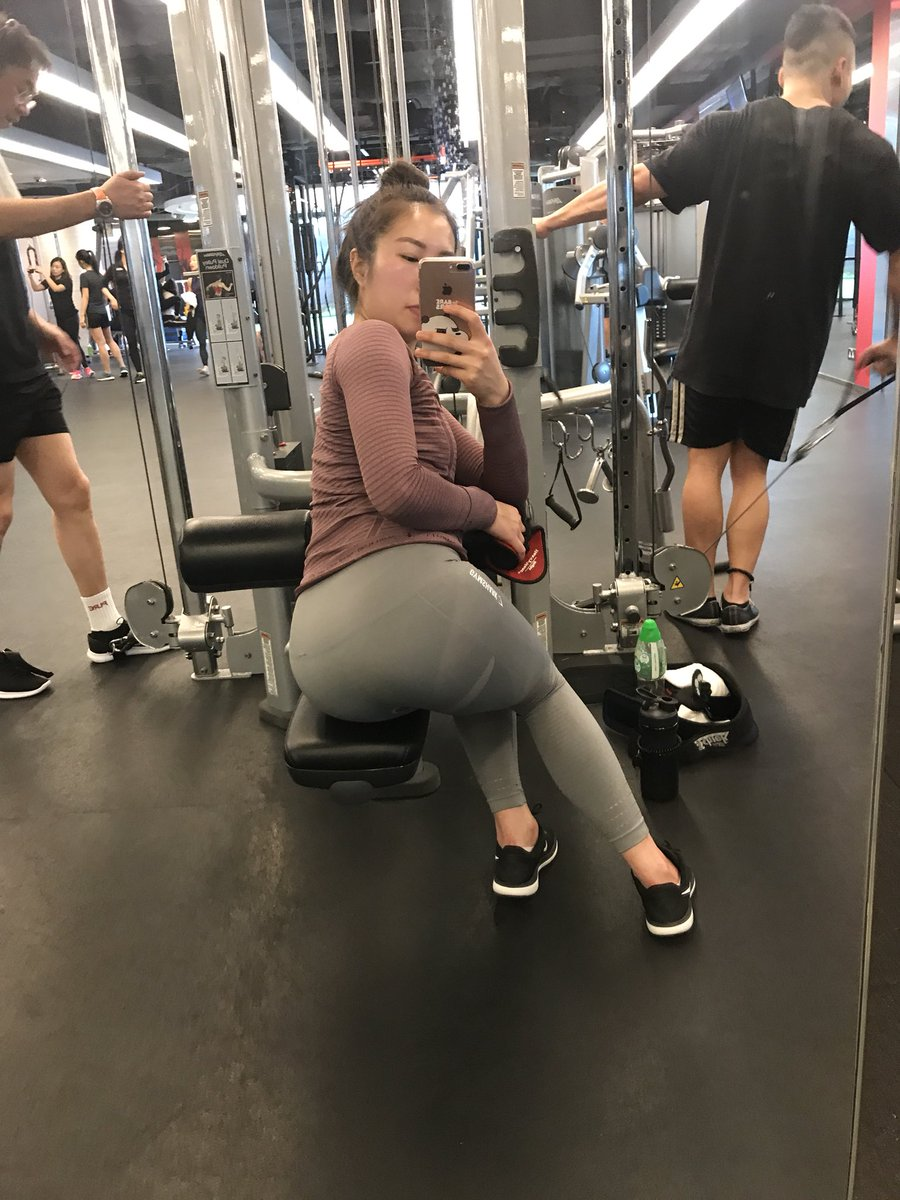 So disappointed with @Gymshark leggings. 😢 Not squat- deadlift- proof ! They are only good for photos! 😠 #gymshark #booty #leggings https://t.co/ArJbwcnw2p