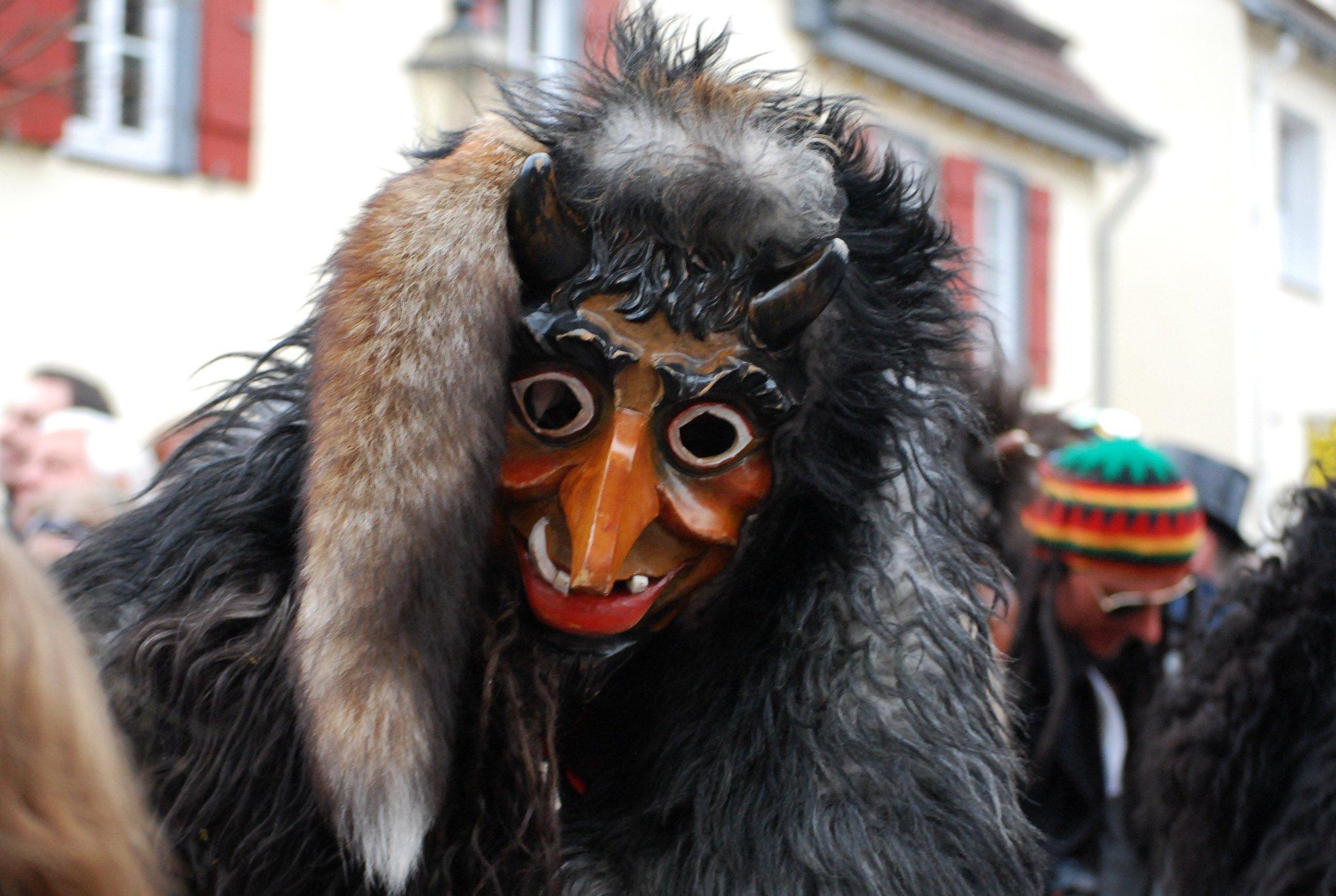 кимеров фото чертей на карнавал москвы утвердили пятый