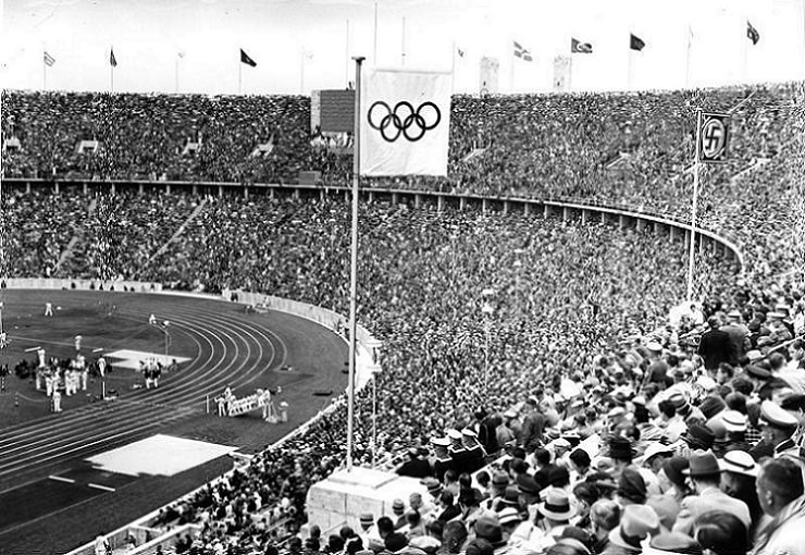 the two things that adolf hitler wanted to portray during the 1936 summer olympic games Kerri strug - heading in to the 1996 olympic games in atlanta, the united states women's gymnastics team was trying to achieve something that no other us women's team had - team gold.