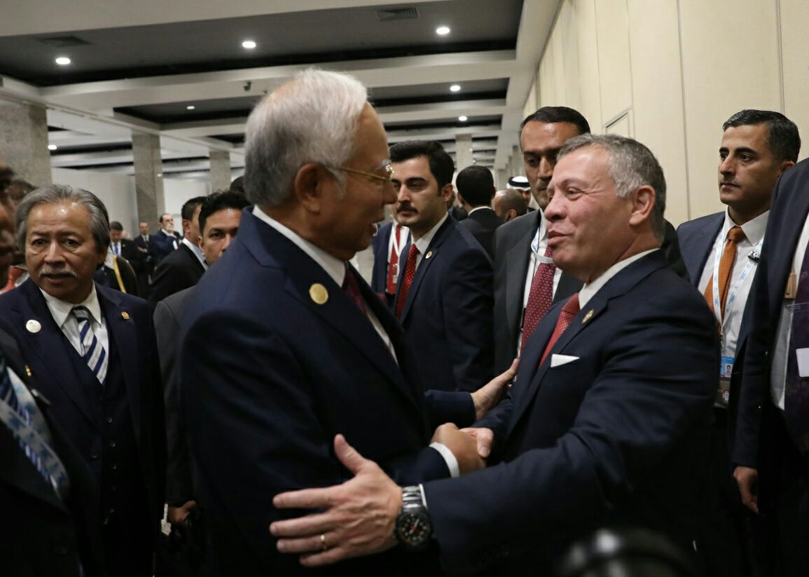 Led the Malaysian delegation to a bilateral meeting with His Majesty King Abdullah II of Jordan. I look forward to stronger ties between our two nations.