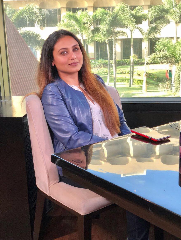 Endless-Beauty! #RaniMukerji for the @RajeevMasand show today #Style #Hichki #Love #Celebrity #Interview https://t.co/ctf8sdjqrT