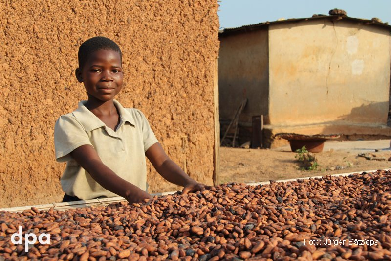 Die bittere Seite der Schokolade: Kinderarbeit in Westafrika https://t.co/DxgF9Vzez4 dpa-Reportage von @jbaetz via @WEBDE_News (fho)