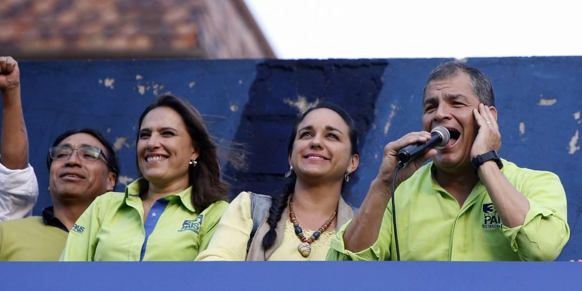 #Ecuador: Correa denuncia intentos de de...