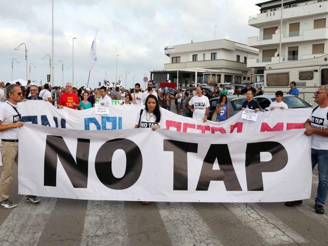 Il governatore Emiliano contro la Tap: «Il cantiere sembra Auschwitz» https://t.co/jPuQKECSOu