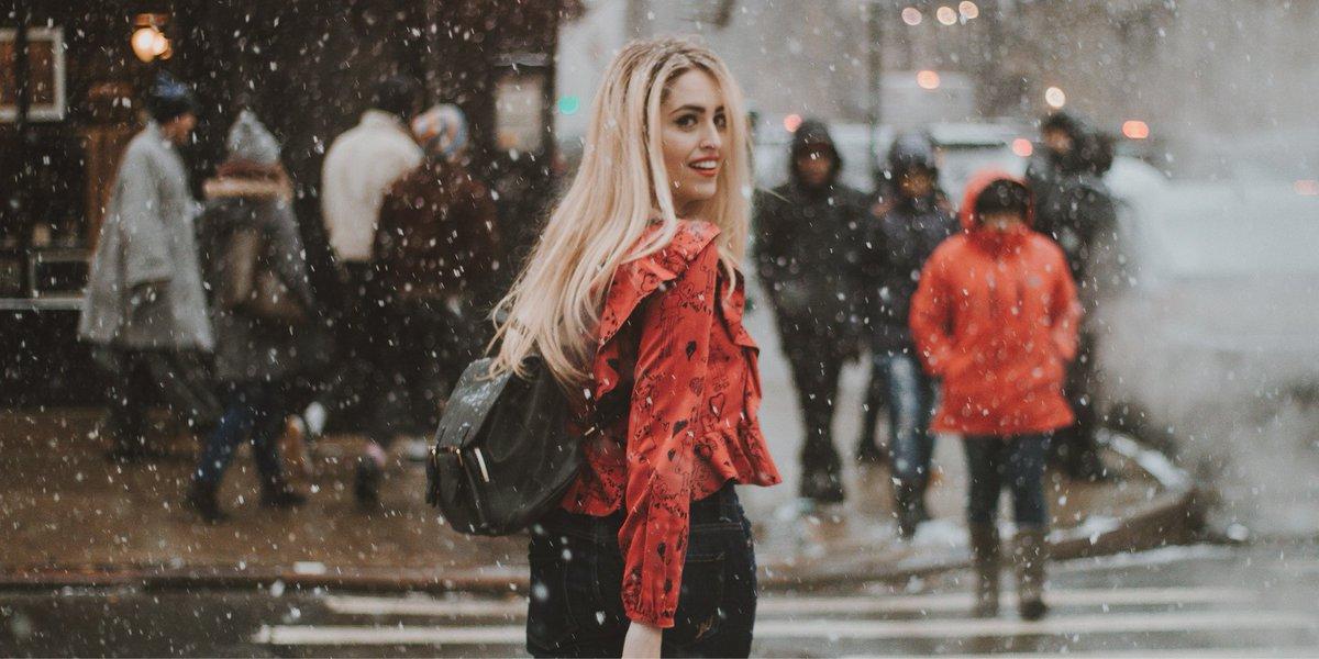 C'est impressionnant de voir comme un sourire peut toujours nous donner confiance et nous aider à voir la vie du bon côté, même par une froide journée d'hiver. #Invisalign #aligners #smile #sourire #winter #snow #happy #letitsnow #selflove https://t.co/G6tbGa7tT5