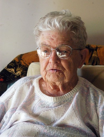 Update: 96-year-old Wallaceburg woman who withheld rent for bed bug extermination bill won't face eviction https://t.co/8RRa0IGbTD