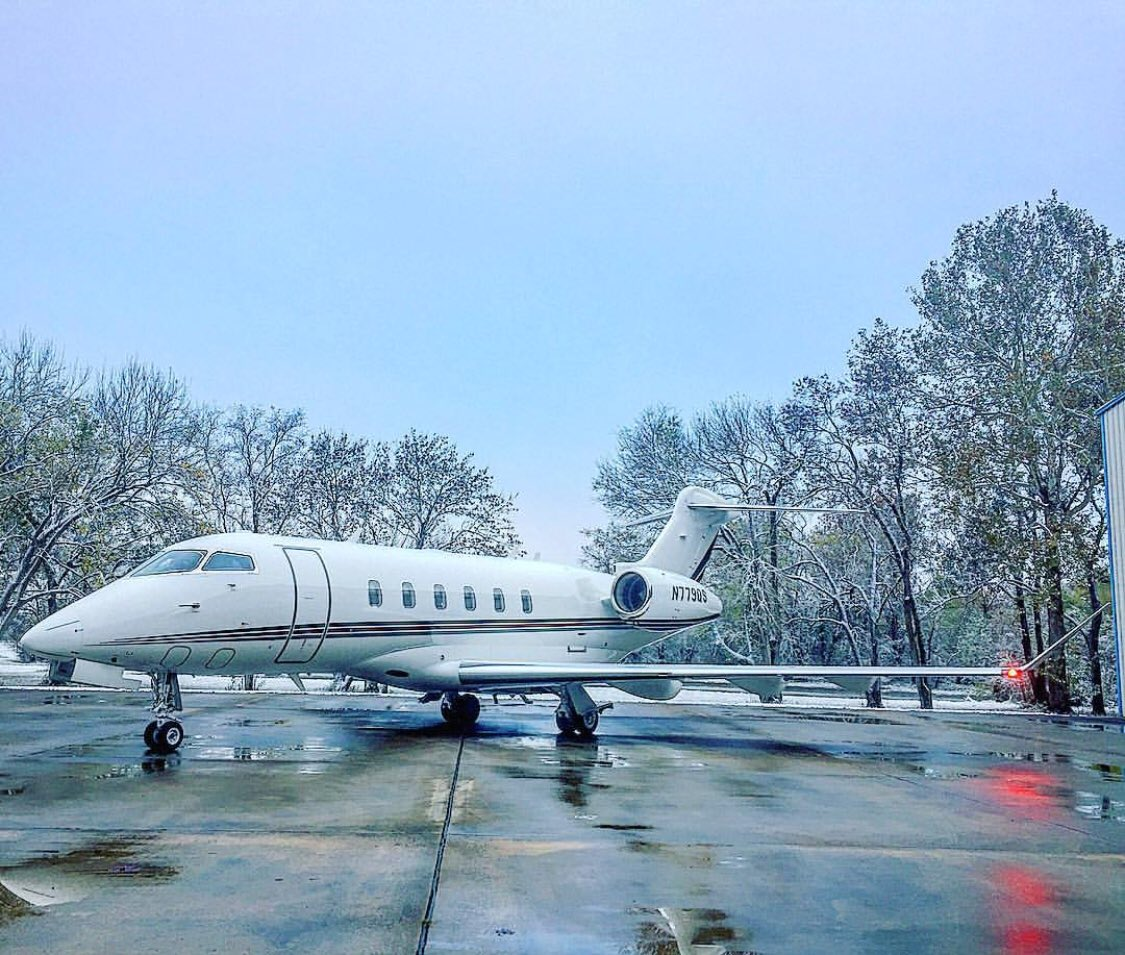 Great shot! With its northern heritage, winter operations are in the Challenger 350 aircraft's DNA.
