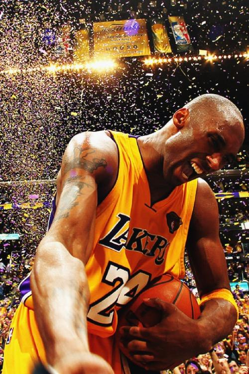 On Monday, 12/18 the @Lakers are retiring @kobebryant's #8 and #24 jerseys. @Nike is also dropping a limited edition #BlackMamba jersey for $524.08 🏀 (5 rings, number 24 and number 8 jerseys.)