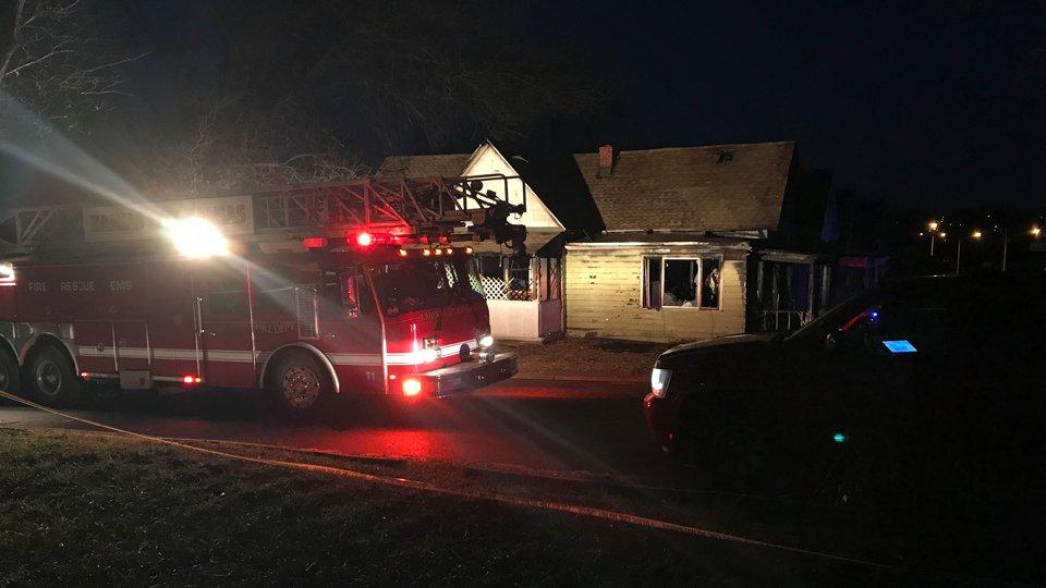 Police investigate Kansas house fire where 3 bodies found as possible homicide: https://t.co/VvP0Q36j2e #KAKEnews