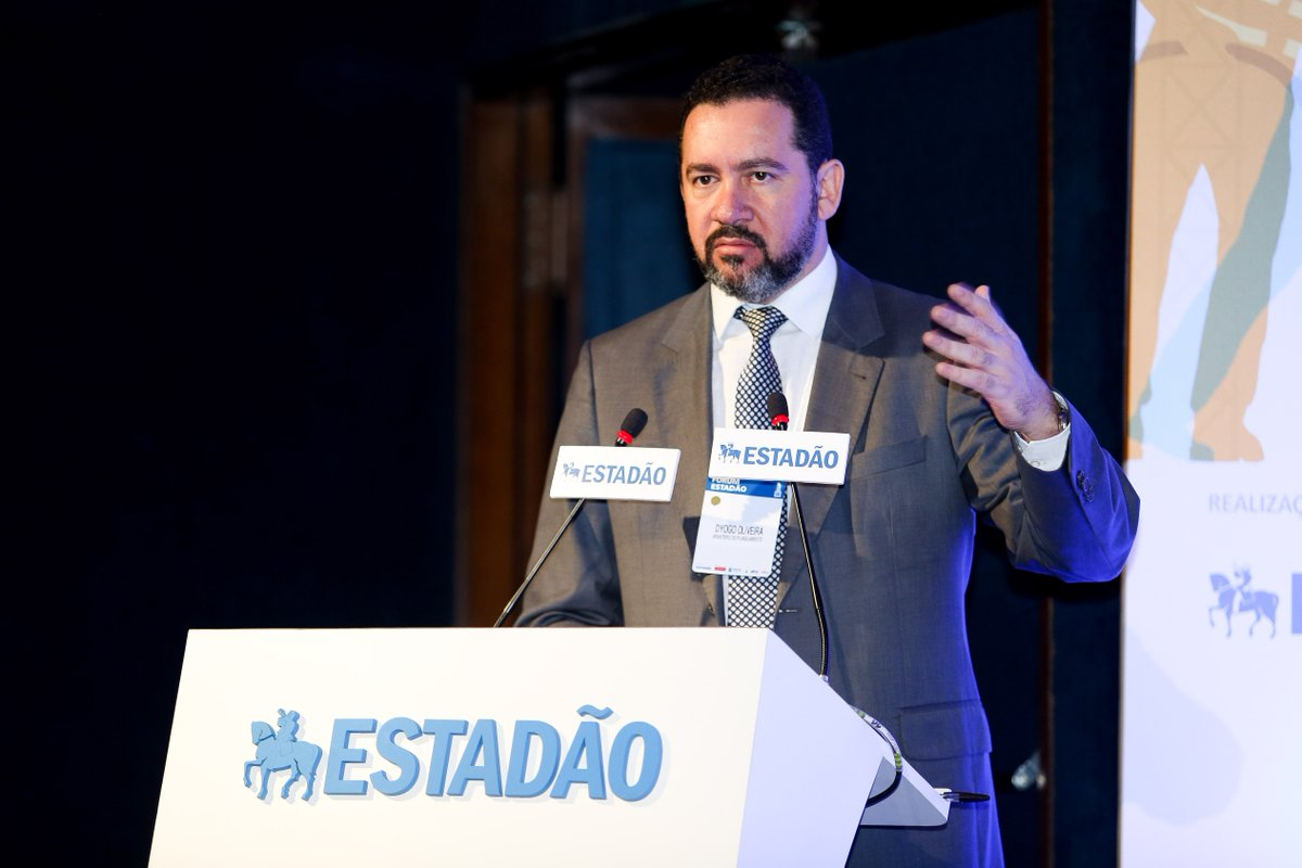 União não tem recursos para resolver o déficit de infraestrutura do País, diz ministro Dyogo Oliveira no 'Fórum Estadão' https://t.co/wfMtkHcaNa